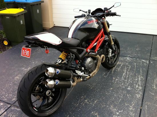 2014-05-11 Ducati Monster Evo